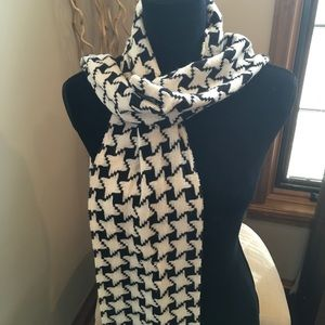 Ann Taylor Cashmere Houndstooth Scarf Black White